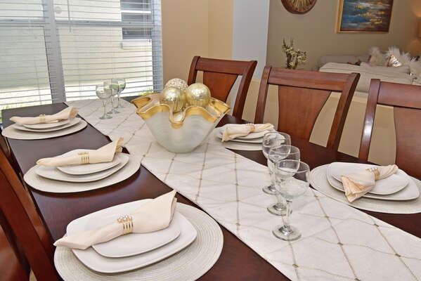 Dining table accents