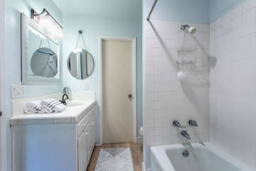 Bathroom 3- shower/ tub combo