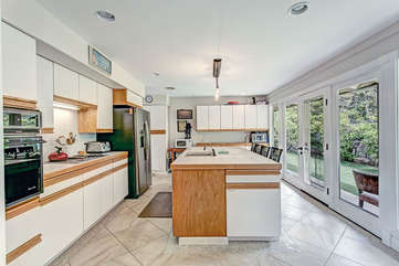 Large Kitchen with Island Seating