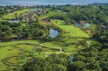 Seabrook Island has 2 golf courses: Ocean Winds and Crooked Oaks