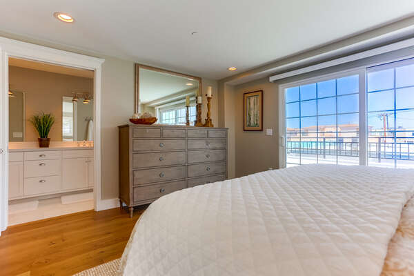 3rd floor Master bedroom of this Vacation Home Rental in San Diego with King bed, private patio, en suite bathroom