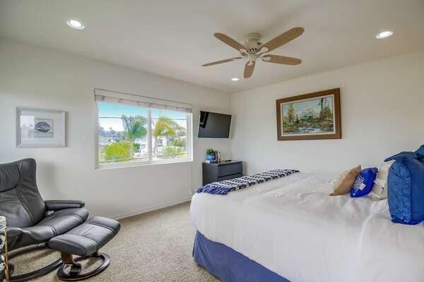 Master Bedroom w/ King, En-Suite Bathroom, & Private Patio - 3rd Floor