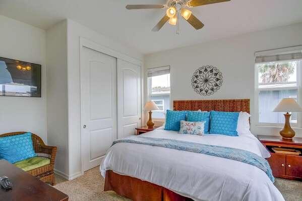 Guest Bedroom w/ King - 2nd Floor