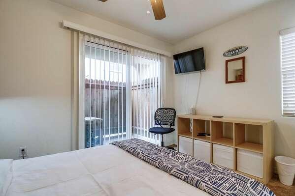 Guest Bedroom w/ Queen Murphy Bed - 1st Floor