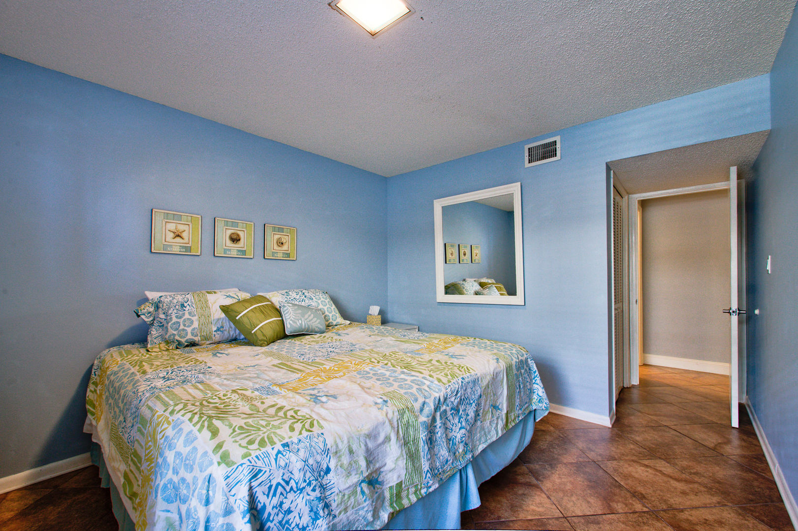 Cool & Comfortable Decor in Bedroom #1