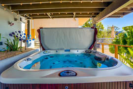 EIGHT PERSON PRIVATE JACUZZI