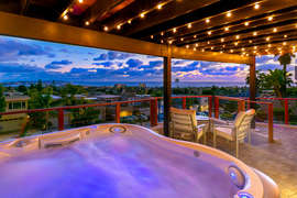SECLUDED JACUZZI DECK WITH PANORAMIC SUNSET, SKYLINE AND OCEAN VIEWS!