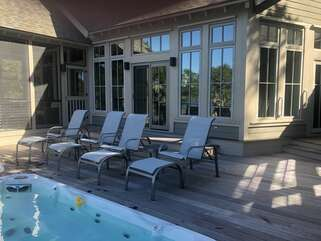 Enjoy the spacious deck with the hot tub and spa pool!