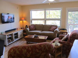 Living room with TV Cecebe