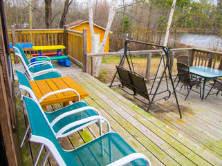 Deck with chairs Nipissing