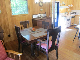 Dining area Long