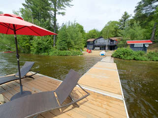 Beachscapes Cottage, Dock with lounge chairs, Otter Lake