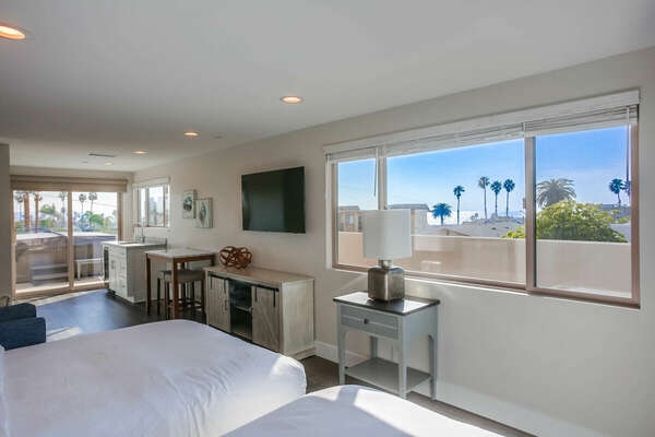 Third Floor Loft - 2 Full Beds, Peek-a-boo Ocean Views
