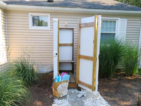 Outdoor shower. Fully enclosed with hot and cold water - 22 Muscovy Lane West Yarmouth Cape Cod - New England Vacation Rentals