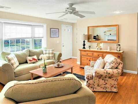 Plenty of comfortable seating in the living area - 22 Muscovy Lane West Yarmouth Cape Cod - New England Vacation Rentals