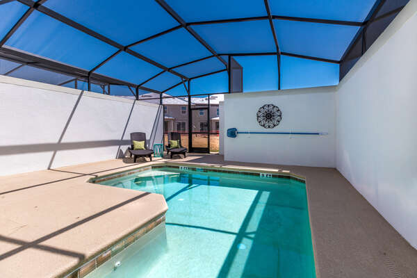 Soak up the Florida sun in the private pool and 2 sun loungers