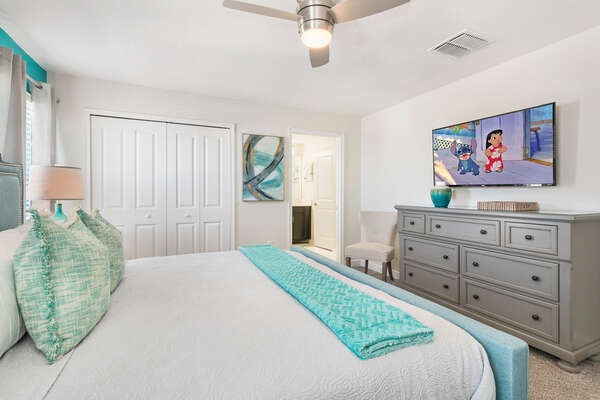 It features a king size bed, 49-inch SMART TV, and en-suite bathroom
