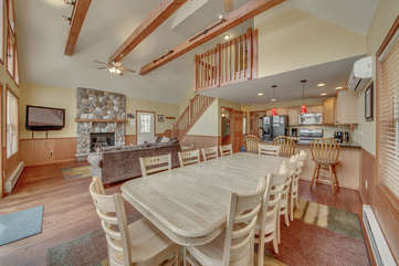 Spacious Dining Room and Living Room in Our Pocono Lakefront Rental.