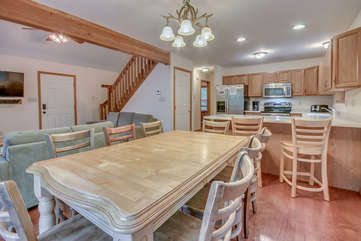 An Image of the Kitchen Table in the Dining Room of Our Vacation Rental in the Poconos by Lake.