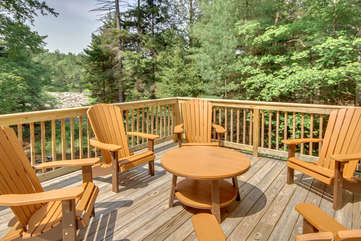 Roundtable Outdoor Seating at our Poconos Vacation Rental Home