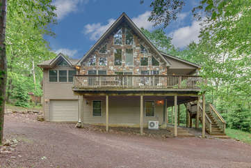 Front Picture of our Lake Harmony Vacation Home, Bobcat.