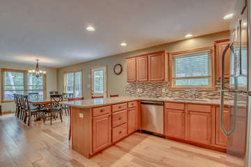 Fully functioning Kitchen with Dining Area