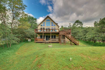Front Picture with Forest View of our Towamensing Trails Vacation Rental.