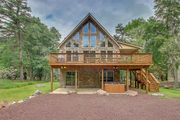 Outdoor view of a Pocono lakeside rental