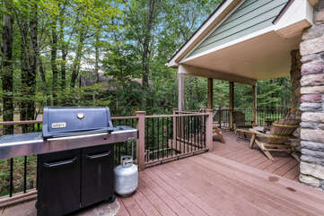 Grill and patio furniture on our Pocono Getaway Rental