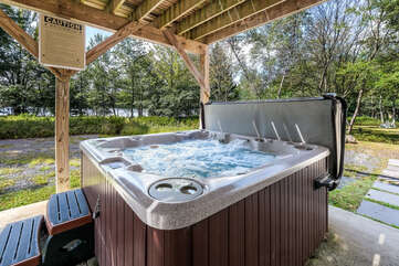Hot Tub Outside of our Vacation Rental Near Lake Shangri-La.