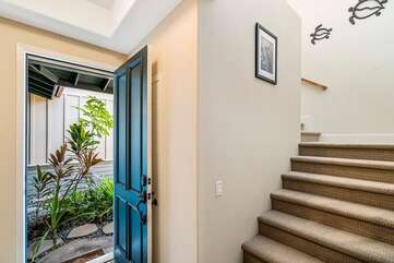 Entry/Stairs to Second Level