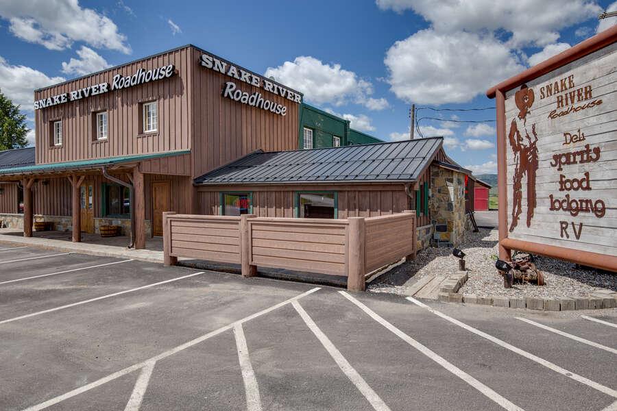 Snake River Roadhouse Big Brown!