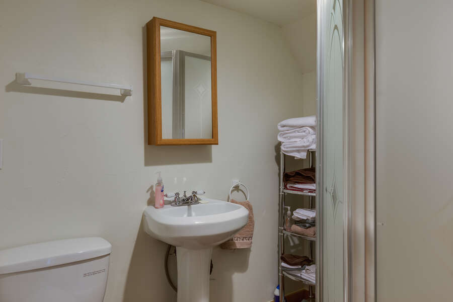 Roger Dodger ~ accommodations above garage (see description for availability) ~ full bathroom
