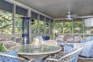 Spacious screened porch