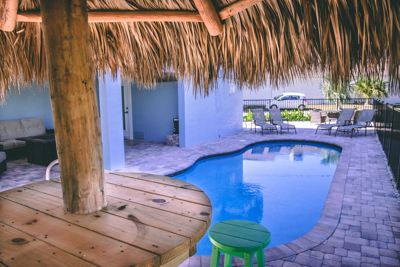 This vacation rental Fort Myers Beach Florida features a swimming pool