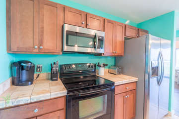 Full kitchen to accommodate all your cooking needs