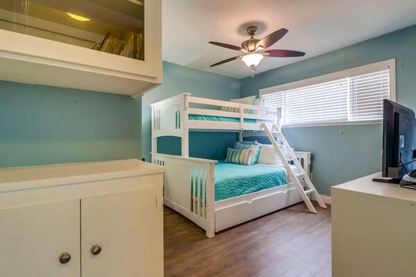 Bedroom 2 with Twin over Queen bunk + Twin Trundle