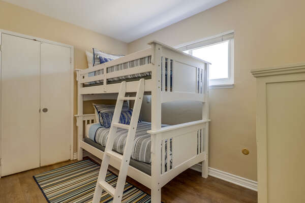 Bedroom 4 (Den) with Twin/Twin bunk and TV