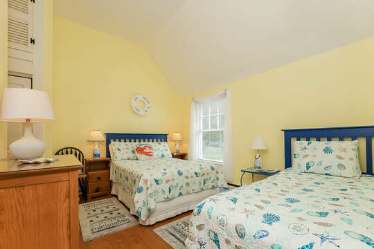 Bedroom #2 with full bed and twin bed - 325 Main Street Chatham Cape Cod - New England Vacation Rentals