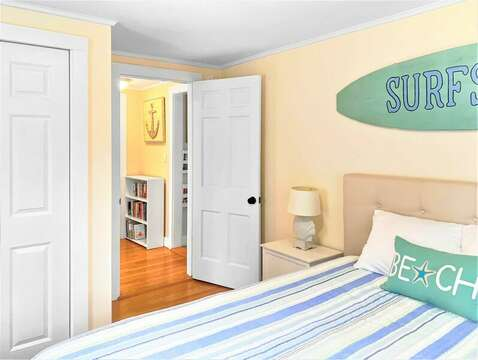 Bedroom 3 with a Queen bed and flat screen tv - 25 Grey Neck Road West Harwich Cape Cod - New England Vacation Rentals
