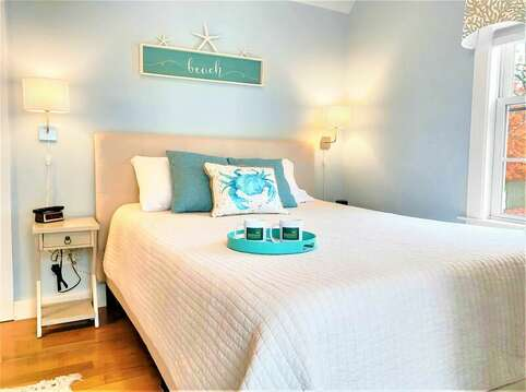 Bedroom #1 with Queen bed and en-suite bath- 25 Grey Neck Road West Harwich Cape Cod - New England Vacation Rentals