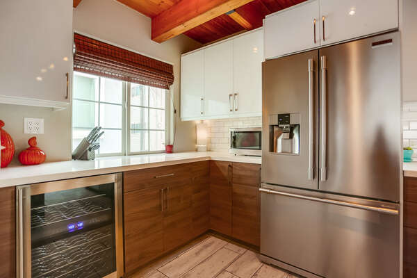 Fully Equipped Kitchen with Wine Cooler