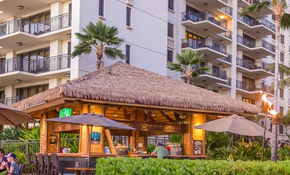 Outdoor bar near this Ko Olina Resort Villa