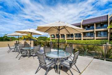 BBQ area offers Poolside Dining