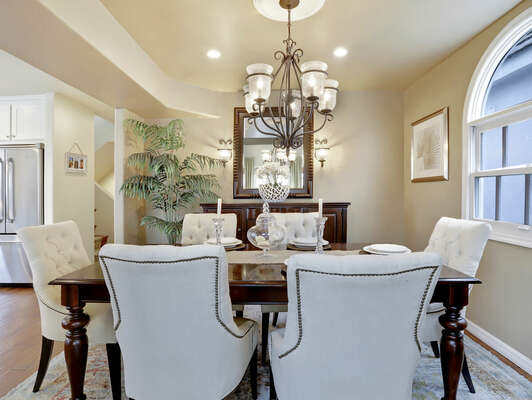 Formal Dining to Seat 6 - Second Floor