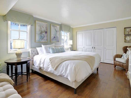 Guest Bedroom w/ King - Second Floor