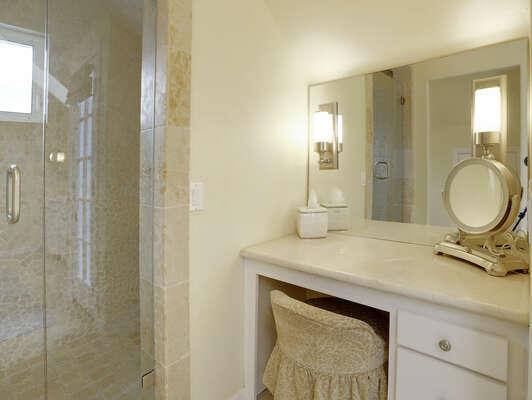 Master En-Suite Bathroom –Third Floor