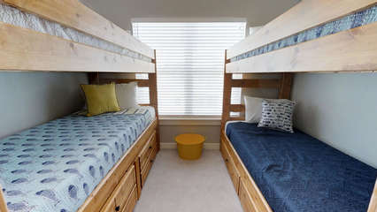 Bunk Room with 4 Twin-size beds