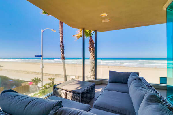 Oceanfront Balcony of this Mission Beach oceanfront rental.