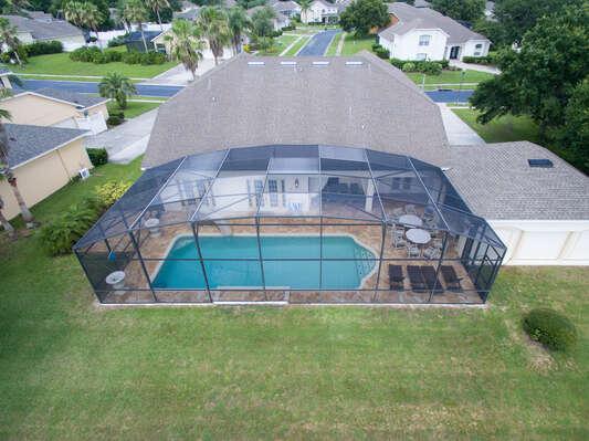Screened- in pool area